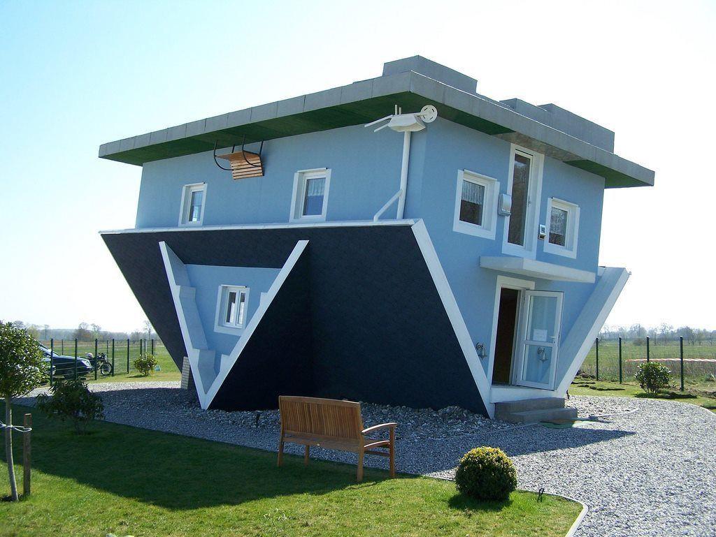 Casa cu capul în jos