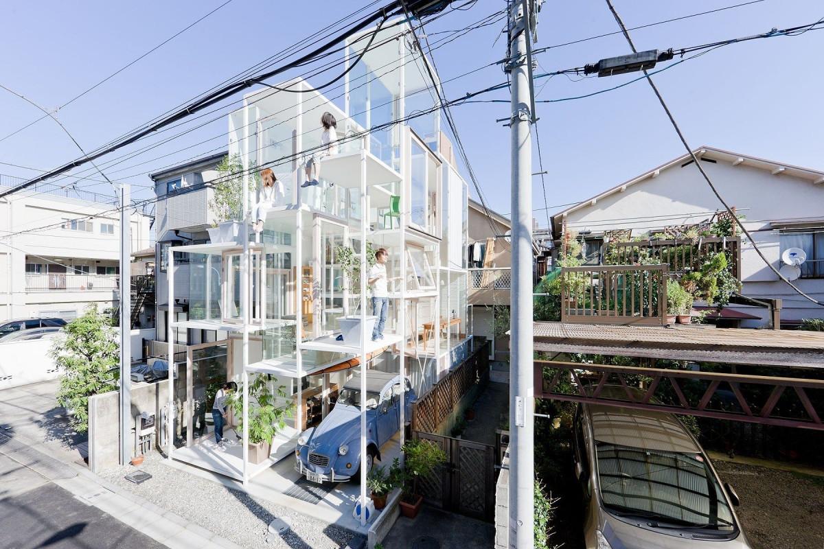 Casa transparentă
