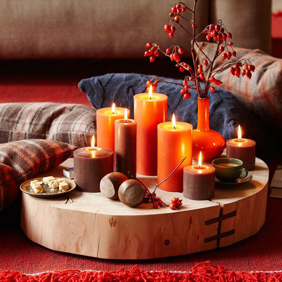 ornamente bogate în culori tomnatice, în portocaliu, galben, roșu