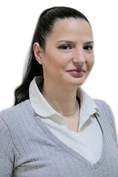 Roxana Mesaros