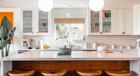 10 pași simpli pentru revitalizarea bucătăriei fără renovare