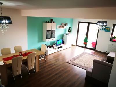 Casa 144 mp cu 4 camere si 3 bai de vanzare pe Calea Cisnadiei