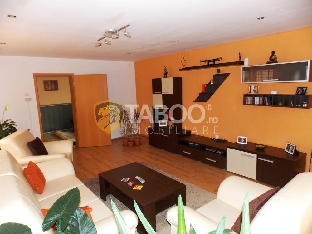 Casa180 mp 3 camere decomandate de inchiriat in Sibiu zona Tilisca 1