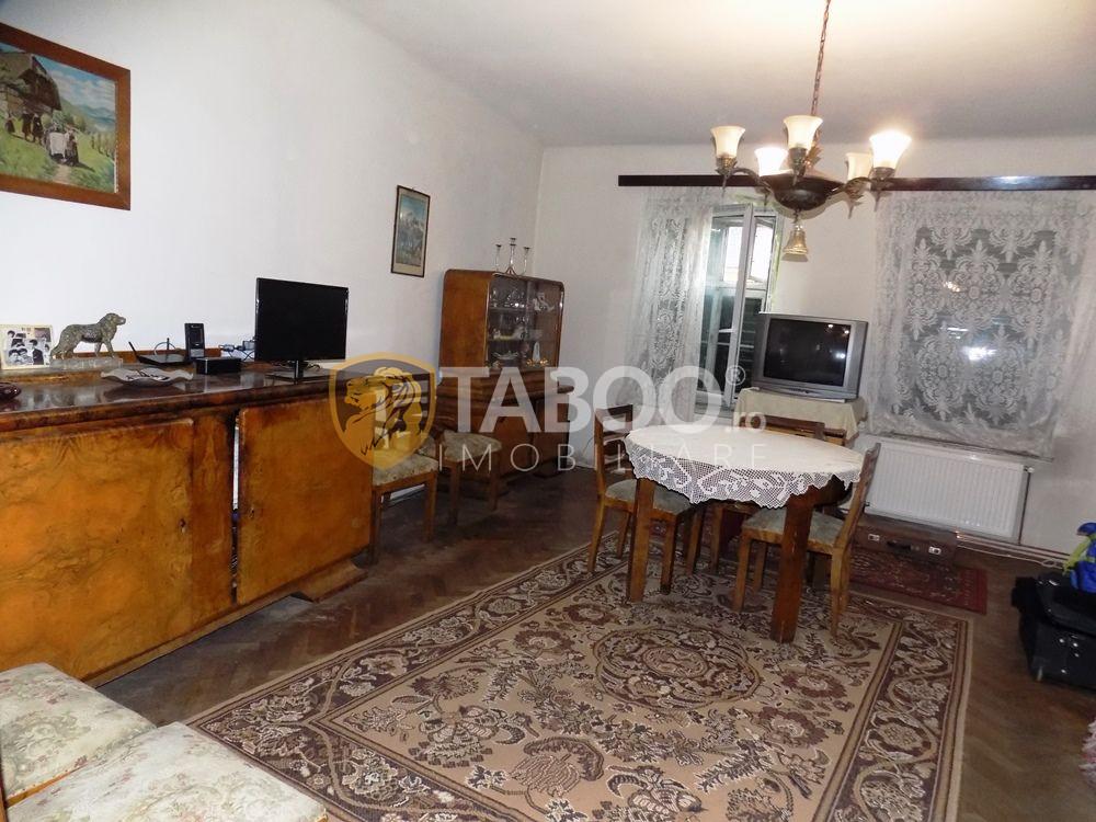 Apartament cu 3 camere 79 mp utili in zona Piata Cibin din Sibiu 1