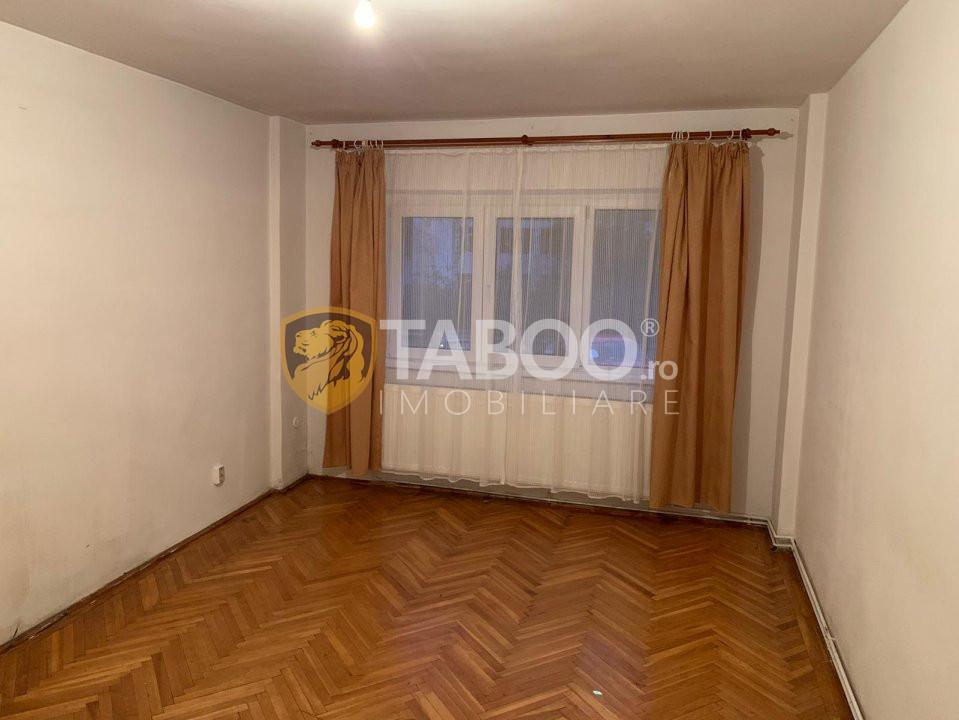 Apartament 3 camere si pivnita de vanzare in Sibiu Calea Dumbravii 3