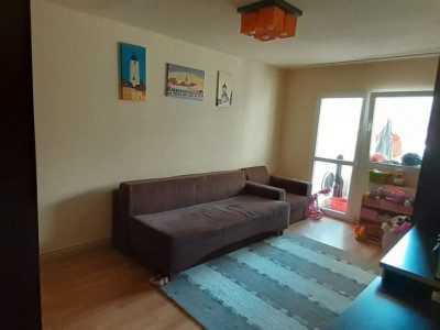 Apartament 3 camere decomandate si pivnita de vanzare Sibiu Strand