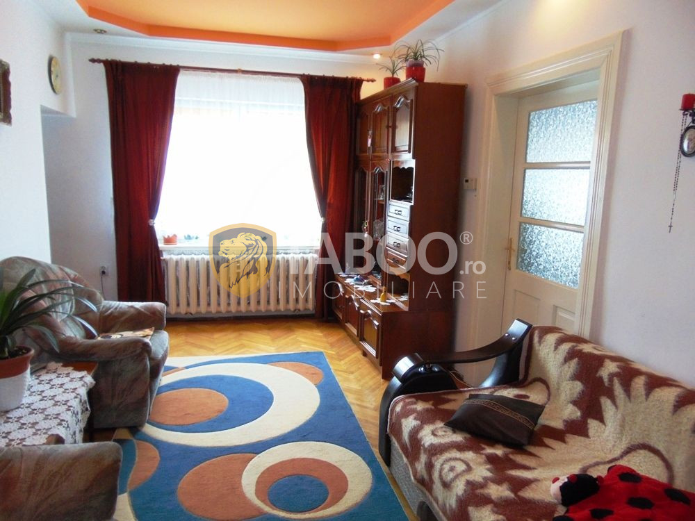 Apartament cu 4 camere la casa de vanzare in zona Lupeni din Sibiu 1