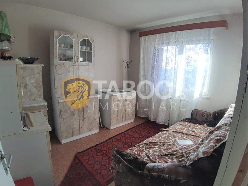 Apartament spatios cu 3 camere si 2 balcoane in Sibiu zona Turnisor 1