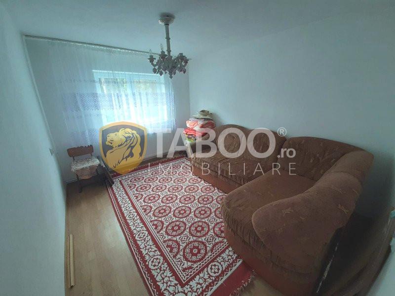 Casa cu 3 camere P+M si curte libera in Selimbar Sibiu 2