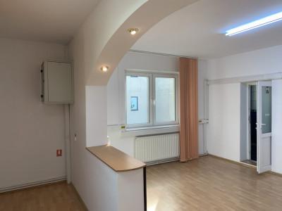 Apartament 3 camere la casa 140 mp de inchiriat Sibiu zona Victoriei