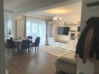 Apartament de vânzare cu 3 camere în Șelimbăr zona Triajului