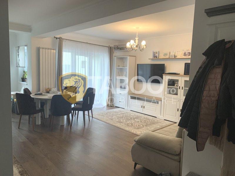 Apartament de vânzare cu 3 camere în Șelimbăr zona Triajului 1
