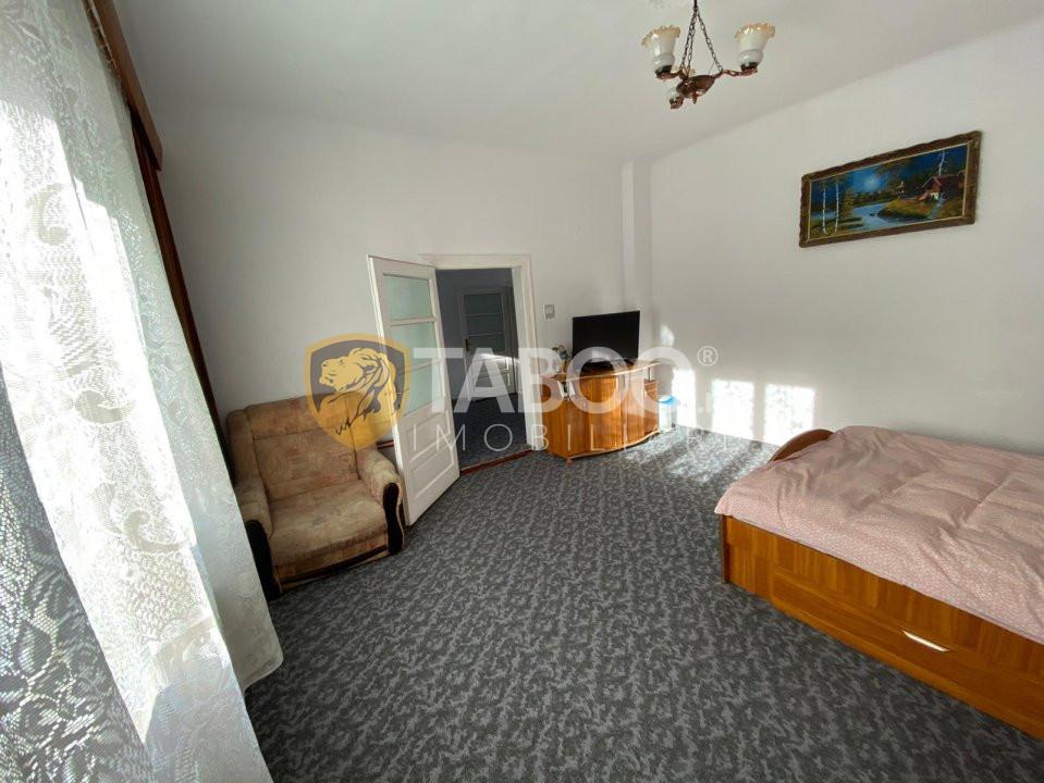 Casa cu 3 camere de inchiriat in Sibiu zona Piata Cluj 1