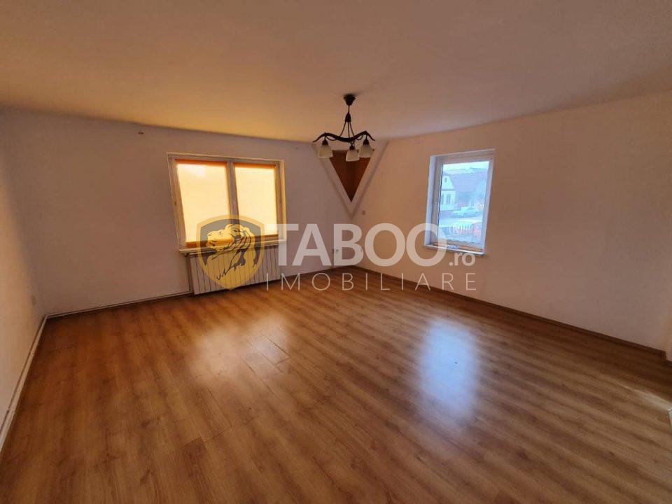 Casa individuala 8 camere 170 mp utili de vanzare zona Turnisor Sibiu 1