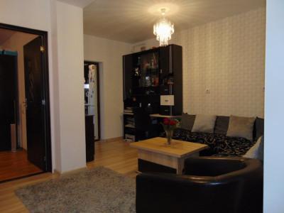 Apartament 3 camere 70 mp in Selimbar zona Pictor Brana