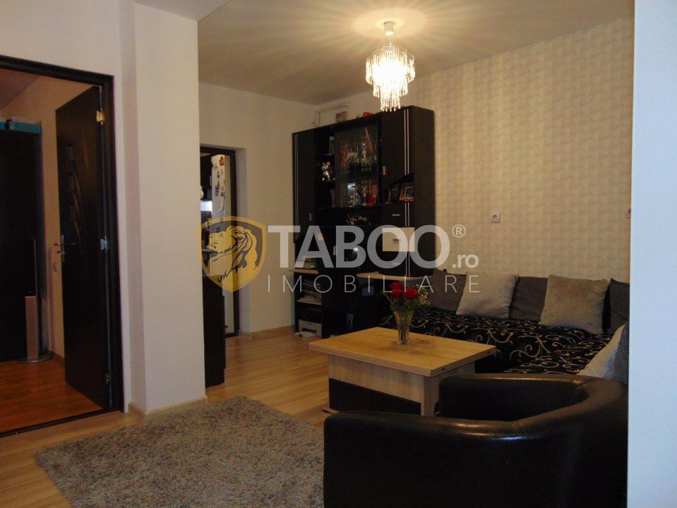 Apartament 3 camere 70 mp in Selimbar zona Pictor Brana 9