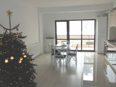Apartament modern 3 camere 2 bai de inchiriat Parcul Sub Arini Sibiu