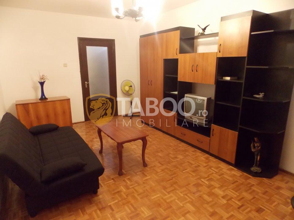 Apartament de inchiriat recent renovat cu 2 camere Sibiu zona Strand 2