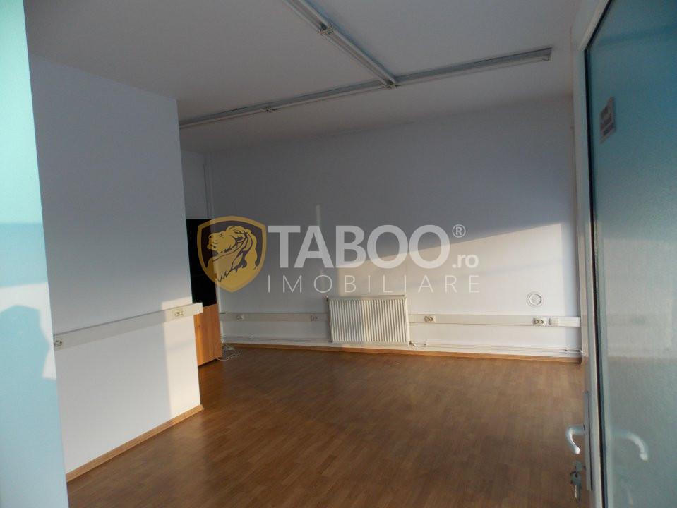 Spatiu pentru birou 23 mp de inchiriat in Sibiu zona Terezian 1