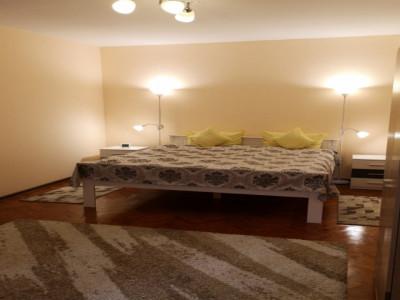 Apartament la casa de inchiriat cu 2 camere in Centrul Istoric Sibiu