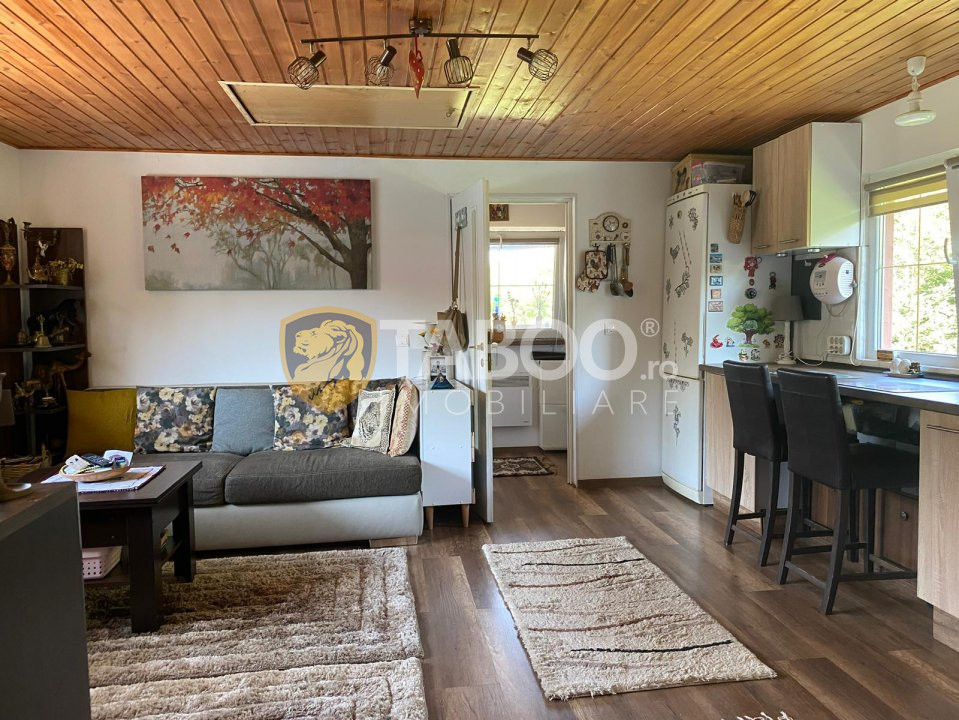 Casa individuala de vanzare teren liber 1300 mp in Tocile Sibiu 1