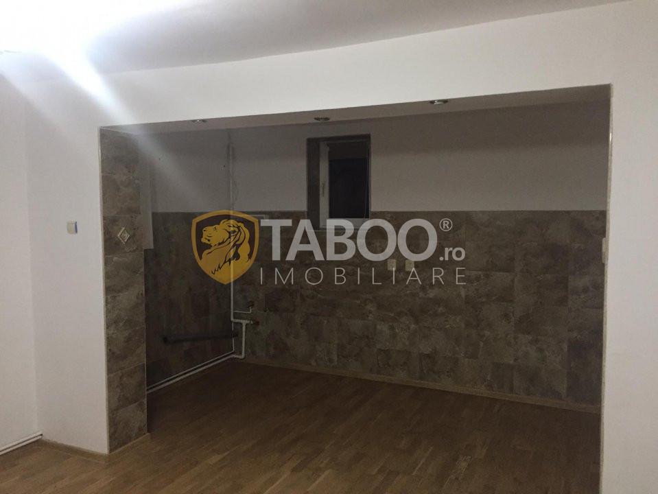 Spatiu comercial de inchiriat 77 mp utili in Sibiu zona Rahovei 8