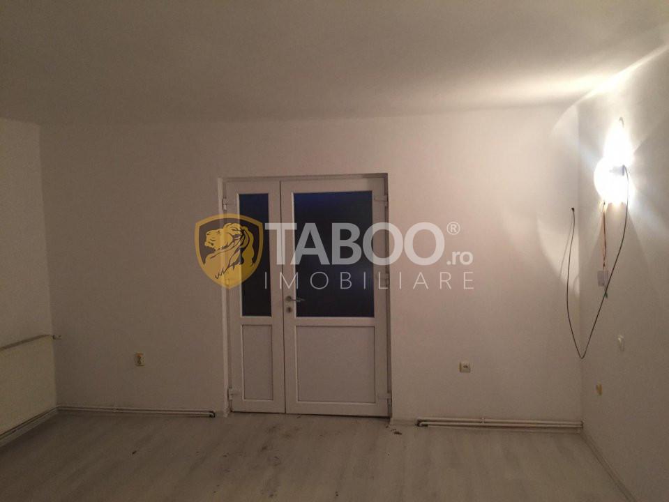 Spatiu comercial de inchiriat 77 mp utili in Sibiu zona Rahovei 10