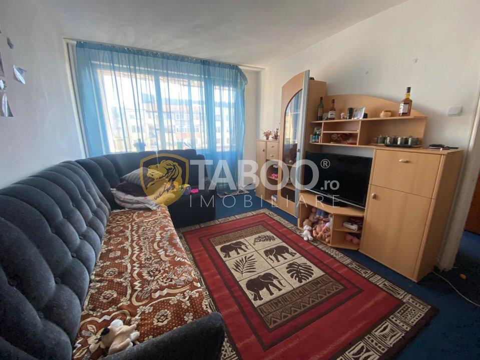 Aprtament 2 camere decomandate zona Mihai Viteazu 1