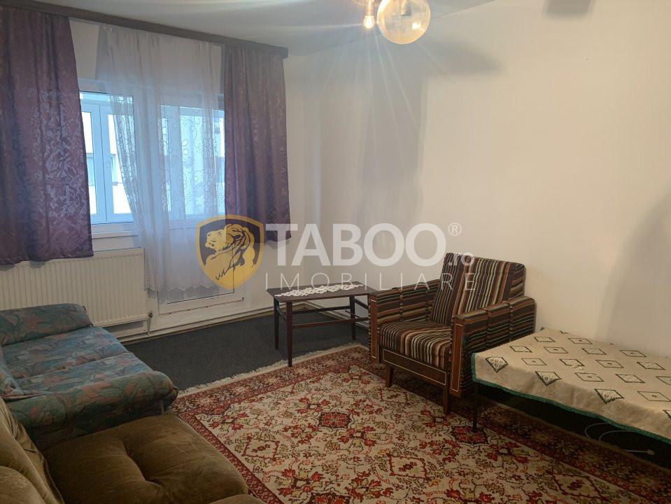 Apartament 3 camere de închiriat în Sibiu zona Vasile Aaron 1
