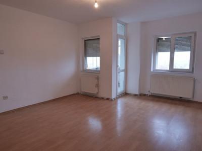 Apartament decomandat cu 3 camere zona Turnisor in Sibiu
