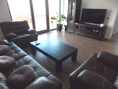 Casa individuala 4 camere la tara in Hamba cu teren liber 570 mp