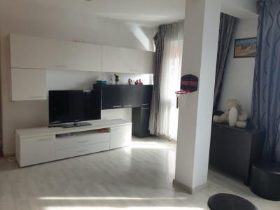 Apartament 3 camere 84 mp utili de inchiriat Sibiu zona Rahovei
