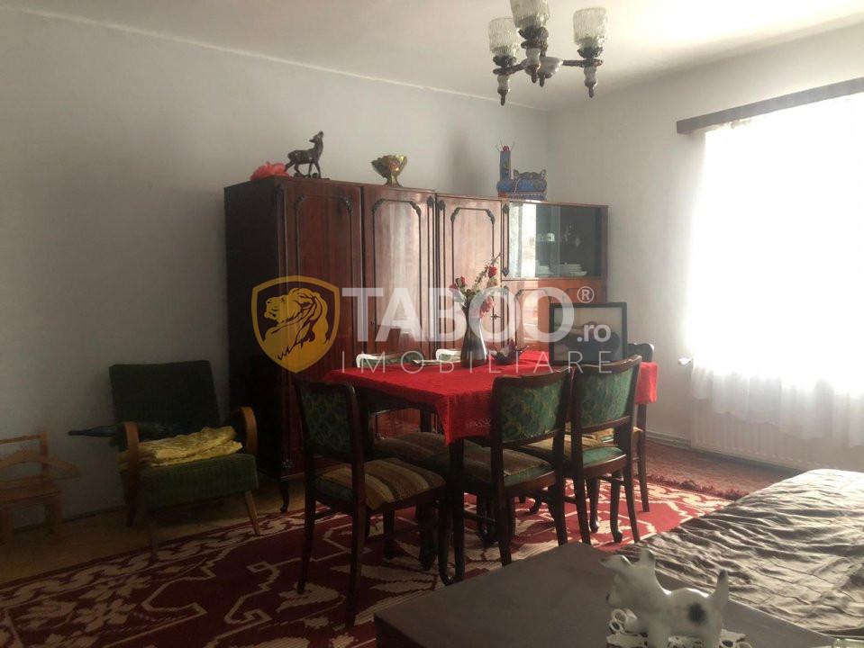Casa individuala de vanzare curte libera 380 mp in Sibiu zona Tiglari 1
