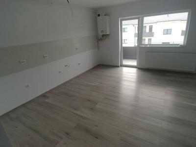 Apartament cu 3 camere la cheie  de vanzare in Selimbar Comision 0