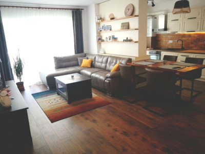 Apartament de vanzare 3 camere 72 mp utili parter Piata Cluj Sibiu