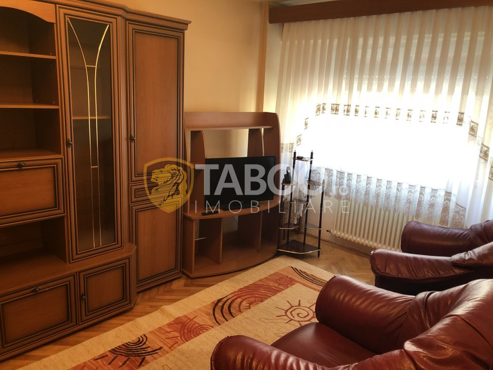 Apartament de vanzare cu 3 camere zona Centrala Sibiu 1