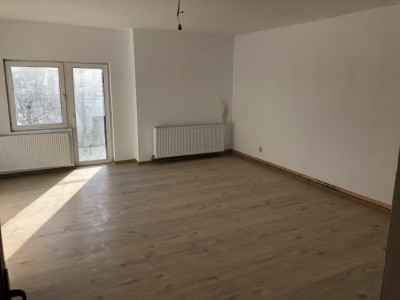 Apartament 5 camere de inchiriat in zona Calea Poplacii Sibiu