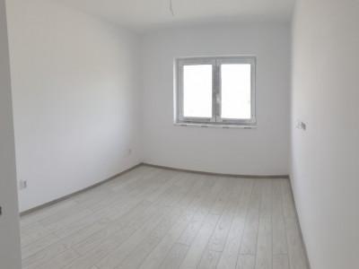 Apartament 2 camere decomandate terasa gradina de vanzare Selimbar