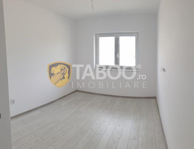 Apartament 2 camere decomandate terasa gradina de vanzare Selimbar 1