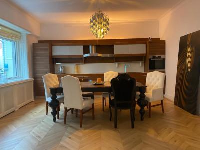Apartament de vanzare cu 3 camere zona Centrul Istoric din Sibiu