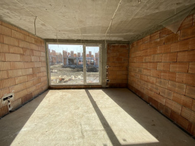 Casa tip duplex 4 camere de vanzare 260 mp curte in Cisnadie