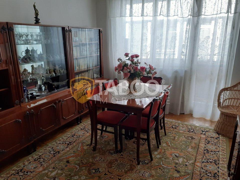 Apartament cu 3 camere de vanzare zona Negoiu in Fagaras 1