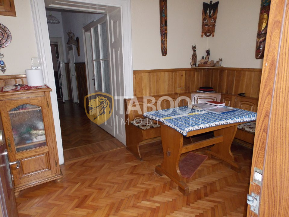 Apartament la casa 4 camere vanzare Sibiu Zona Centrala comision 0 4