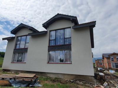 Duplex nou si curte de 250 mp intr-o zona superba de case in Cisnadie