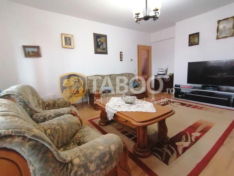 Apartament 3 camere de vanzare in Sibiu zona Mihai Viteazul 2