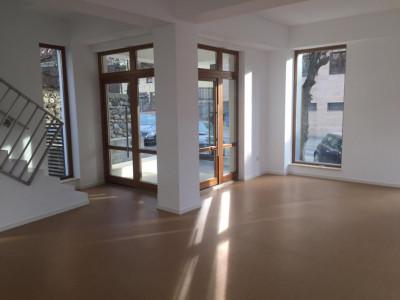 Spatiu comercial si de birouri de inchiriat in Sibiu zona Centrala