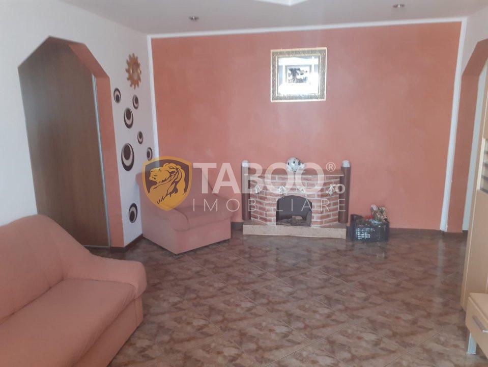 Apartament 3 camere de vanzare zona Garii Fagaras 1