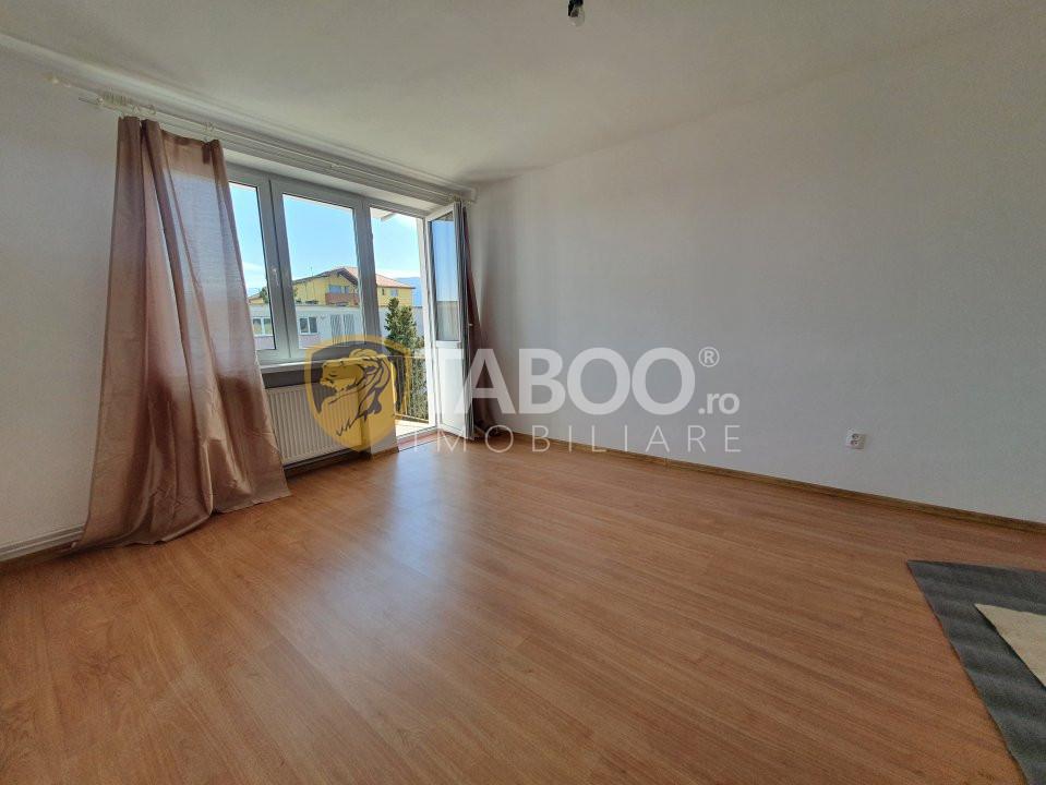 Apartament cu 2 camere decomandate si balcon de vanzare in Cisnadie 1