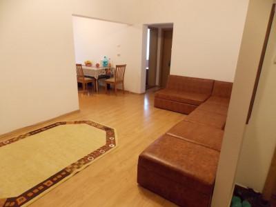 Apartament 3 camere de vanzare etaj intermediar Sibiu zona Strand