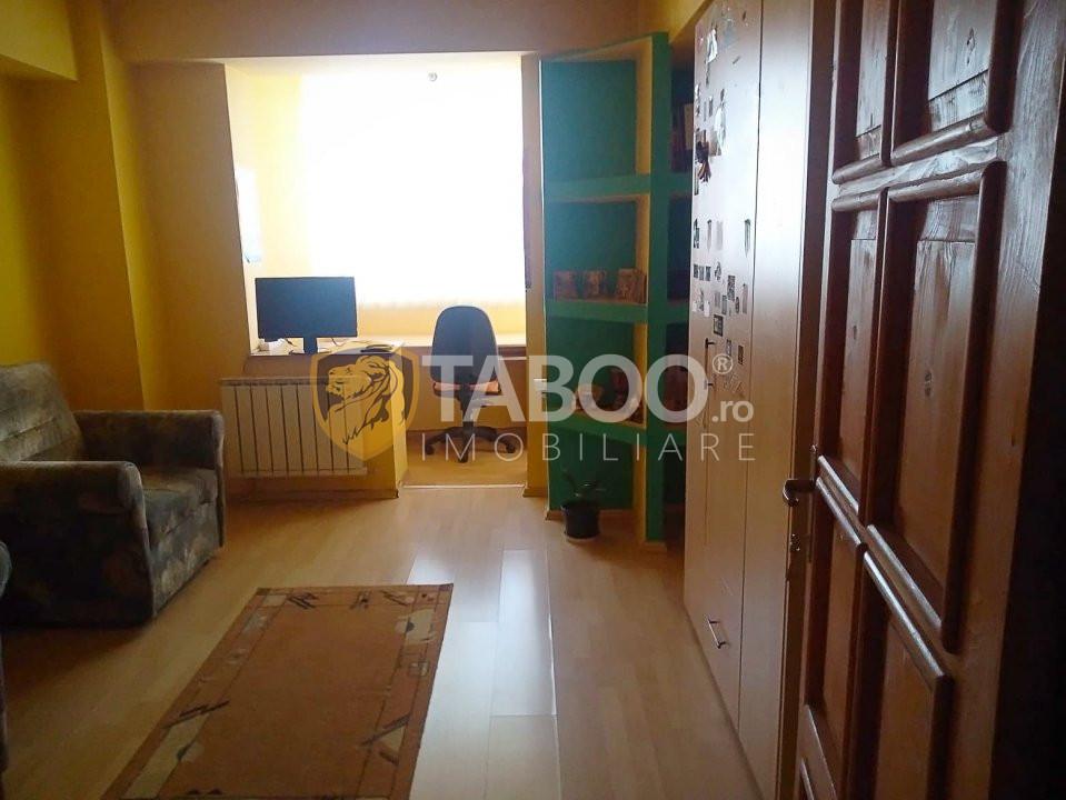 Apartament 3 camere 2 bai de vanzare in Sibiu zona Terezian 1